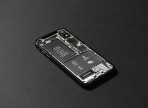 Czy warto wymieniać baterię w iPhone?